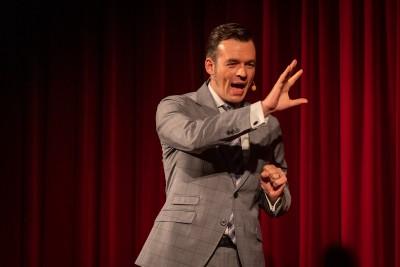 Der Sieger des 5. österreichischen Speaker-Slams: Bert Helbig